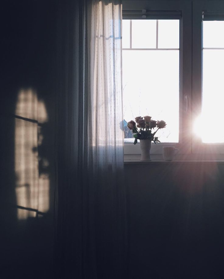 When I wake up in the mornin' love And the sunlight hurts my eyes   Wish you...
