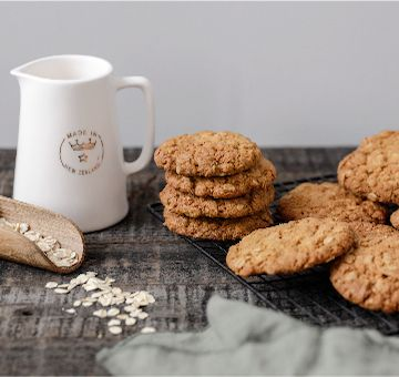 Our traditional Anzac biscuit is the perfect balance of chewy and crunch. So delicious you can enjoy them any day of the year.