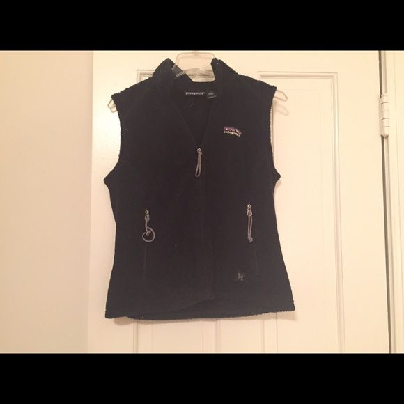 Patagonia fleece vest This vest has zip pockets on both sides. Patagonia Jackets & Coats Vests