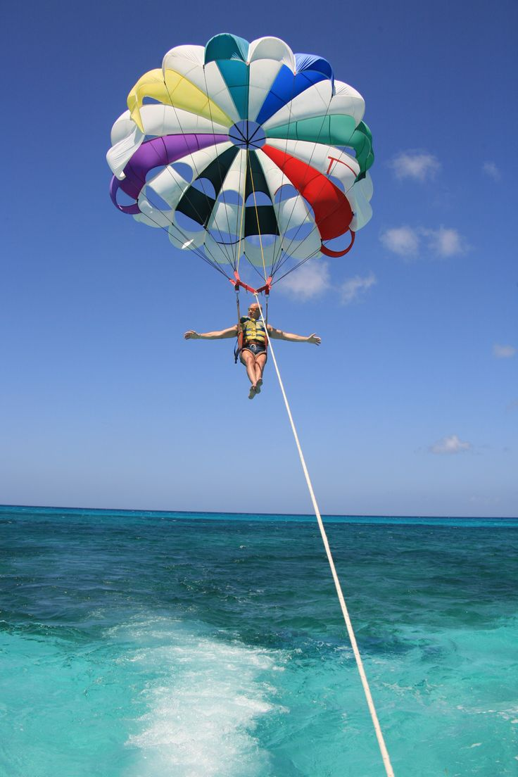 St. Maarten | Free yourself as you experience the spectacular views of this remarkable island and parasail over the beautiful blue waters of Orient Bay.
