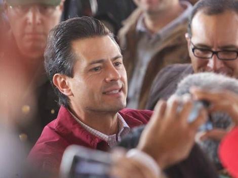 Presentará @EPN en Tabasco programa nacional hídrico: El acto se efectuará en Villahermosa, en donde dará a conocer diversas acciones tanto para evitar inundaciones como para la captación de agua en la temporada de lluvias.