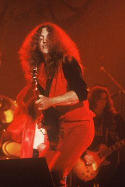 Lynyrd Skynyrd, Rossington-Collins Band, The Allen Collins Band. Check em out! (: