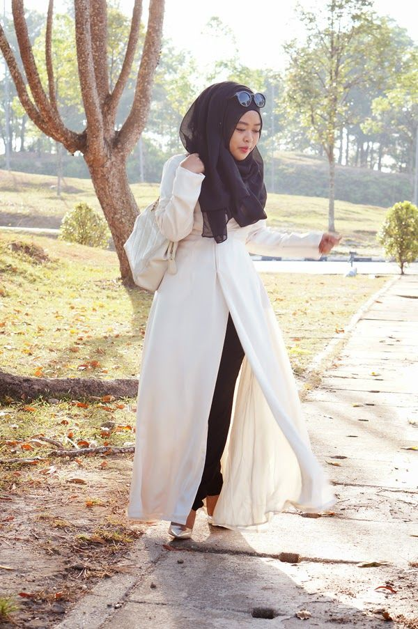 Hijab Royale is a platform for fashion designers (aspiring or established) who specialise in modest clothing to showcase their designs. Sign up, and be a part of our community. Simply upload your designs and with enough community votes we help you bring your designs to life. Hijab Royale. We crowdfund your designs and create awesome fashion that YOU want.  www.hijabroyale.com