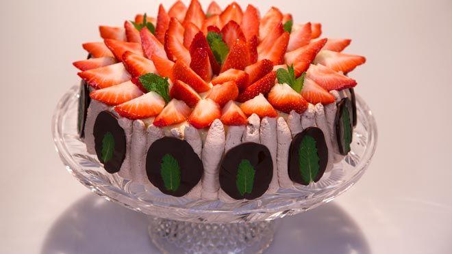 Chocolade-munttaart met aardbeien - Rudolph's Bakery | 24Kitchen