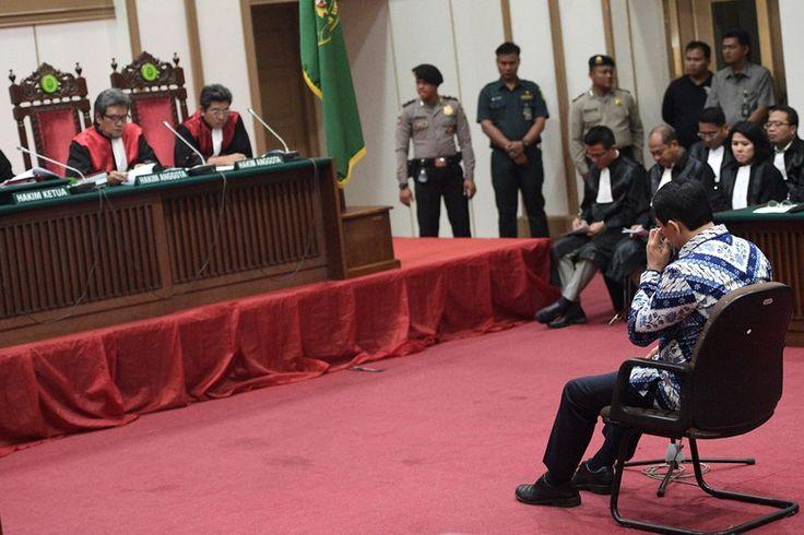 Beritaragam.com - Gubernur DKI Jakarta Basuki Tjahaja Purnama (Ahok) dihukum 2 tahun penjara. Hakim membacakan hal-hal yang dianggap meringankan dan memberatkan Ahok selama proses persidangan.   #Ahok #Beritaragam #Divonis #Hal-yang-Memberatkan #Meringankan #Penjara