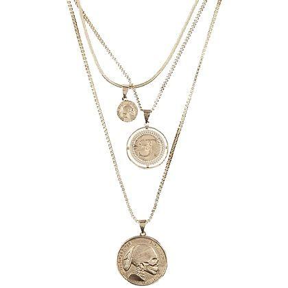 Supertrash voor Super dames. Deze mooie ketting bestaat uit 3 verschillende lengtes met munten met het ST logo. Shop hier vanaf: €59,95