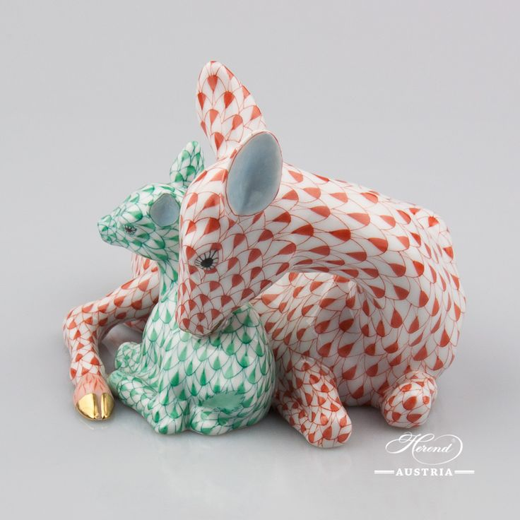 This is so cute! Deer with Fawn - Herend Animal Figurine 15620-0-00 VHR+VHV - Red and Green