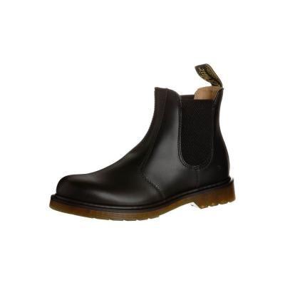 €191, Schwarze Chelsea-Stiefel aus Leder von Dr. Martens. Online-Shop: Zalando. Klicken Sie hier für mehr Informationen: https://lookastic.com/women/shop_items/39618/redirect