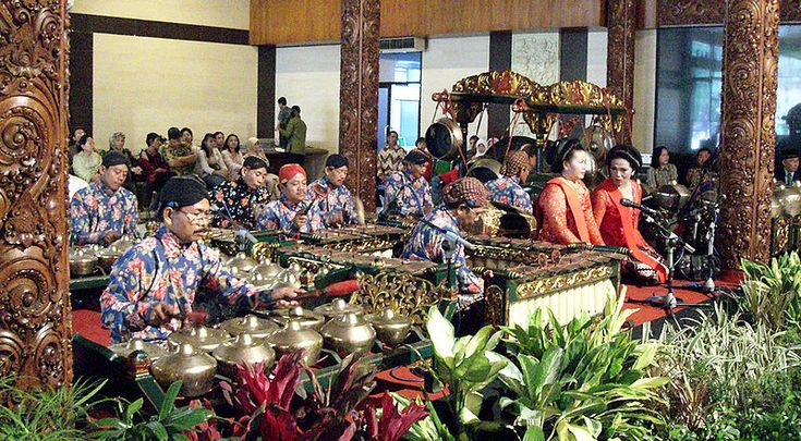 GAMELAN SHOW.  Gamelan is the music created by integrating voices of gong, kenong and other Javanese music instruments. Soft music that reflects the life harmony of Javanese people will soon greet and calm the soul down once someone is listening to it.