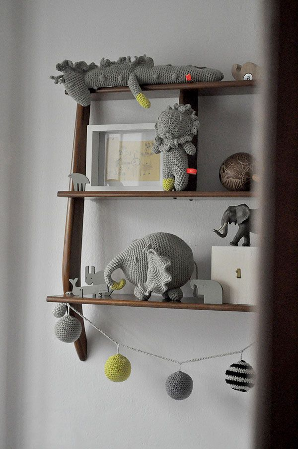www.migadepan.com: Nurseries Shelf, Crochet Toys, Children Decor, Boys Rooms, Home Decor, Crochet Stuffed Animal, Baby Rooms, Decor Diy, Kids Rooms