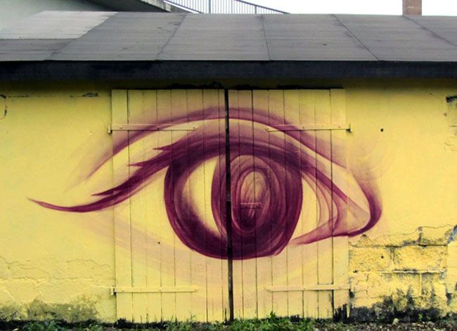 This awesome eyes's painting is one of their works that might illustrate some messages. http://goo.gl/4FKHsV #artist   #photography   #streetphotography