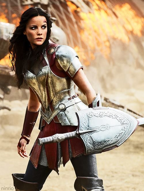 """I love the fact that Lady Sif doesn't need to be half-naked to still be regarded as """"beautiful"""" because being half-naked is not practical during battle"""