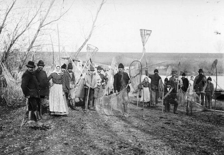 Tiszai halászok az 1900-as években