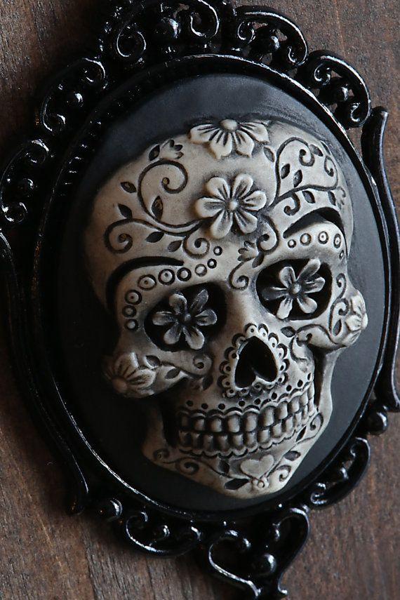 Día del cráneo muerto azúcar Cameo collar. Negro por CameoAndJuliet