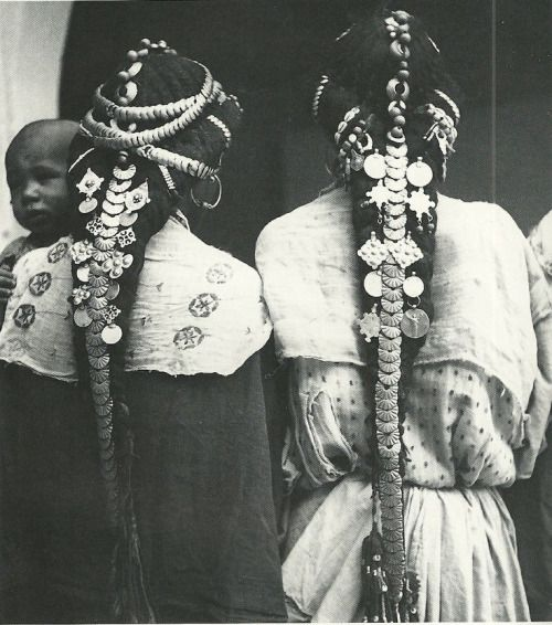 mirror-plateaux:  Hair ornaments of the Ziz Valley, Morocco  - photographer unknown