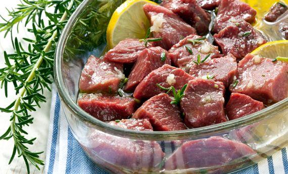 Come marinare la carne prima della cottura