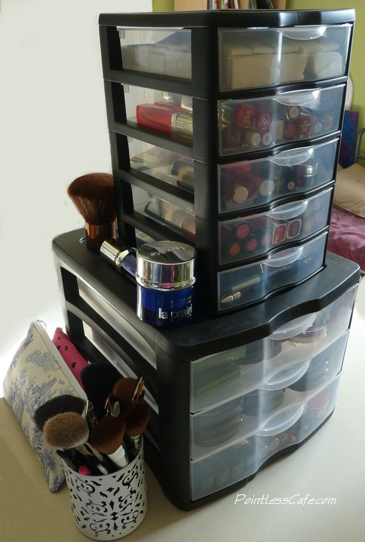 Weekend Bits and Bobs: December 2013 - Make-Up Storage, Journals, Old  Crayons and Lots of Polish