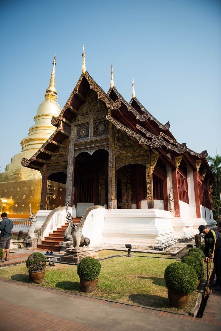 So in love with Chiang Mai and the beautiful Wat Pra Singh Temple  Travel to Asia - Thailand - Chiang Mai. Travel blogger. Adventure