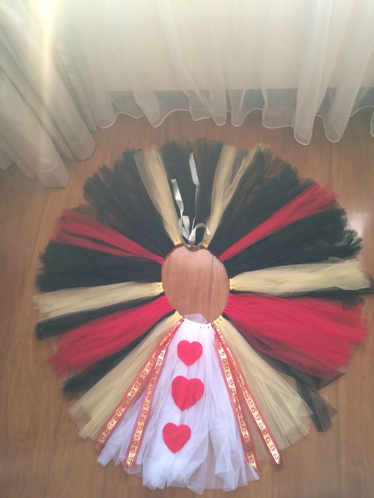Queen of hearts DIY tutu More