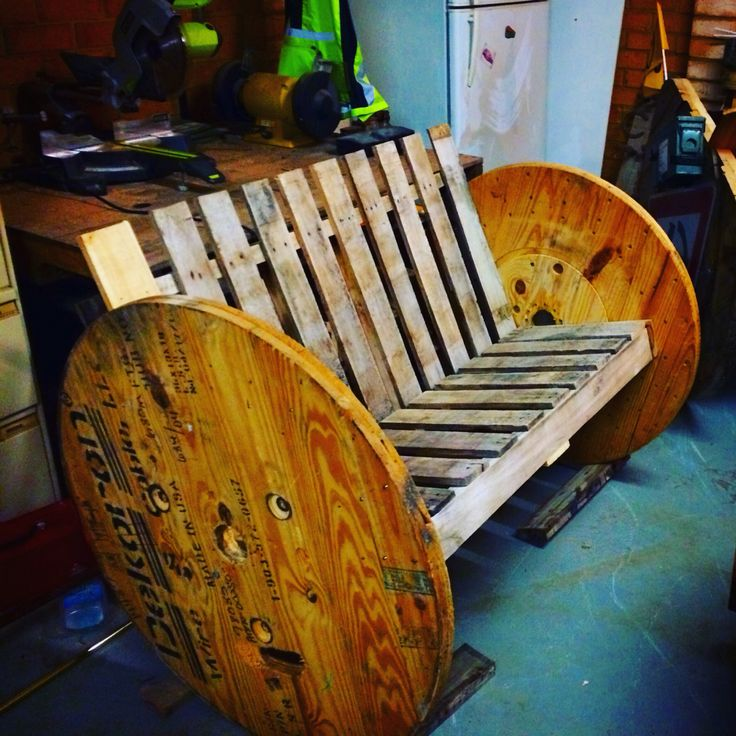 Another construct, this time a bench made from an electrical cable drum and a pallet