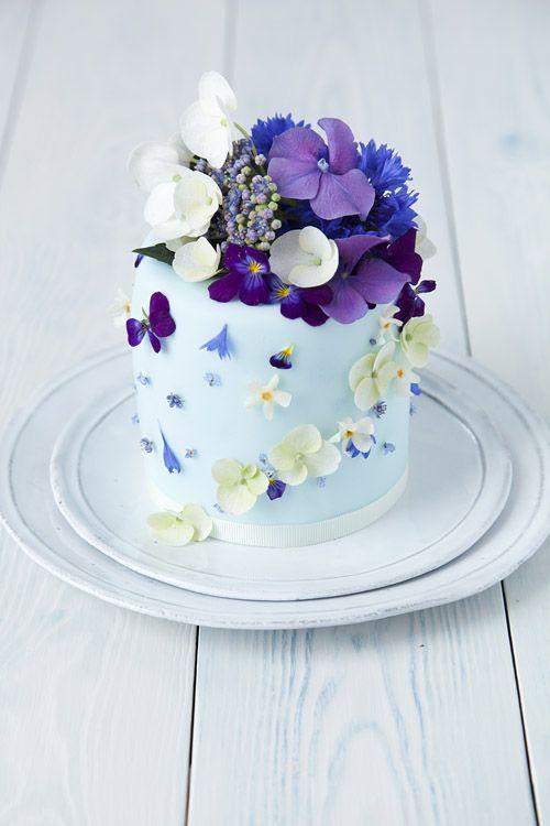 pretty purple & blue cake