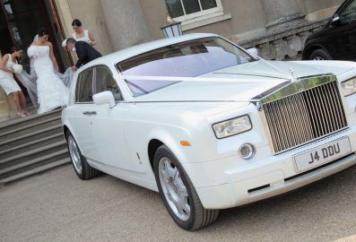 There are many who claim to offer but fail it comes to it. To make your wedding travels memorable, you should have the best resources at your disposal. You should get to choose the vehicle of your choice for your wedding day. The Wedding Limo Specials Toronto makes you remember every meter you travel in a limo with us.