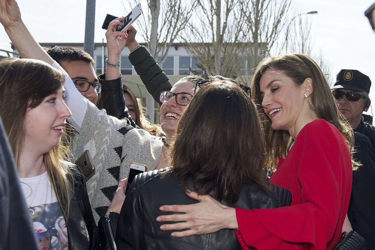 Queen Letizia Receives 'Fundacion princesa De Girona 2017' Award Winner in Soria