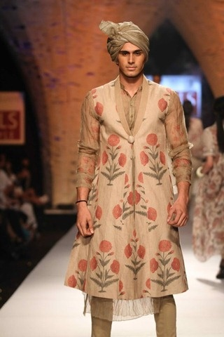 Tarun Tahiliani - Lovely but not too many Indian men can actually pull this off!