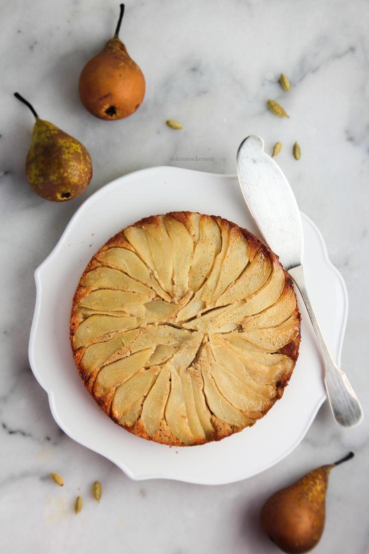 Pear, buckwheat and almond gluten free upside-down cake - Torta rovesciata senza glutine di grano saraceno, pere, mandorle e cardamomo