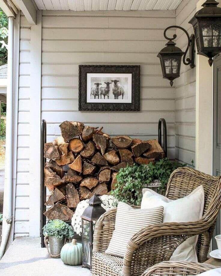 24 Best Farmhouse Wall Decor Ideas To Beautify Spring Porch Decoarchi Com Farmhouse Outdoor Decor Front Porch Decorating Farmhouse Front Porches