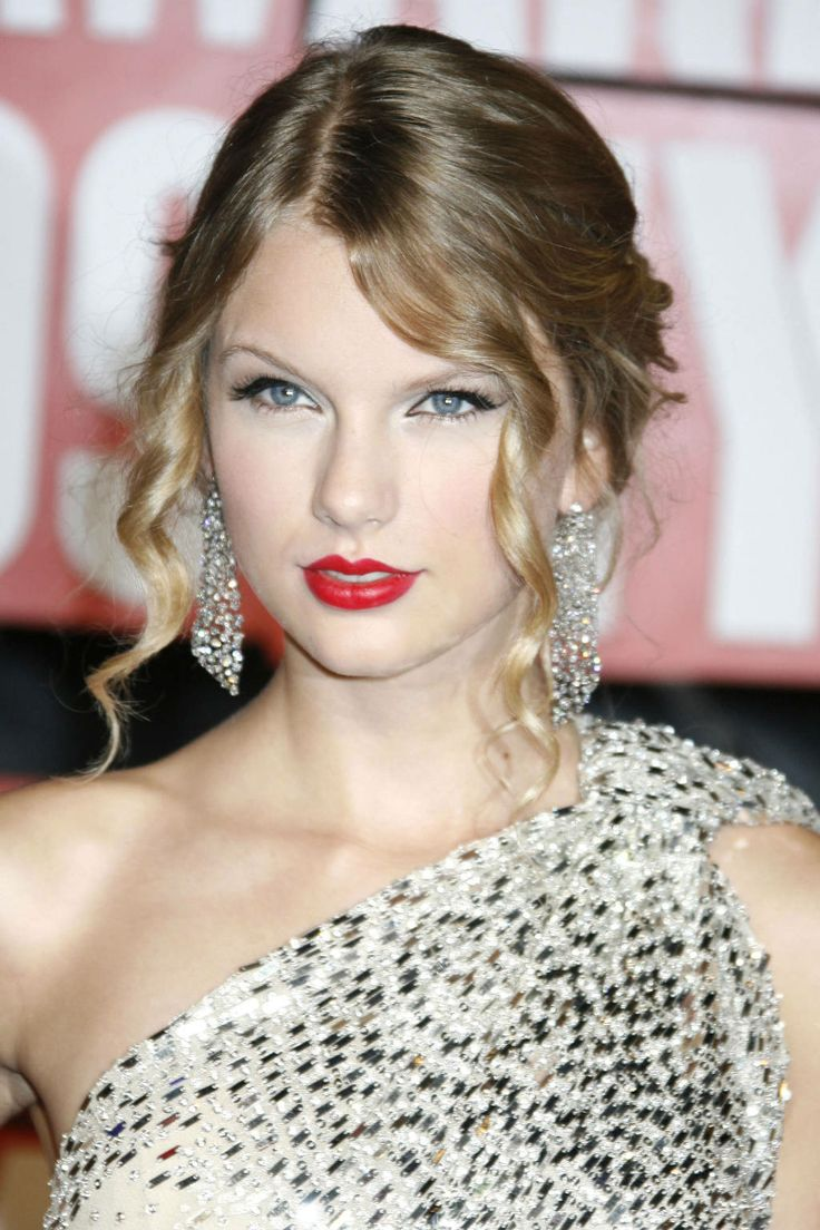 30 best taylor swift beautiful hair and makeup
