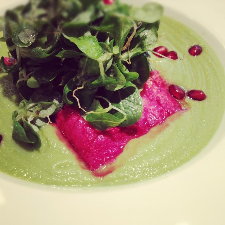 salmon on green peas puree