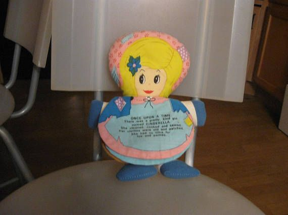 1977  Dan-Dee cinderella  storybook cloth doll