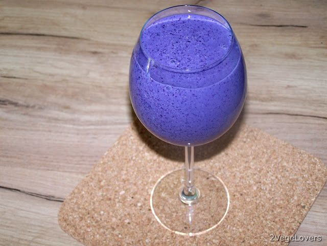 2 VegeLovers: BLUEBERRY SMOOTHIE WITH TOFU AND CHIA