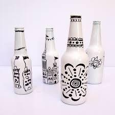 Resultado de imagem para garrafas decoradas com linhas