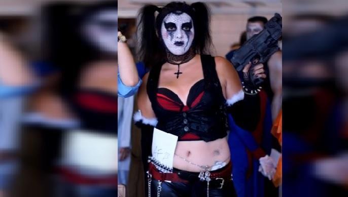 http://eldeforma.com/2016/10/10/surge-nueva-moda-en-mexico-de-mujeres-que-se-pintan-como-payaso-para-espantar-a-la-poblacion/ #loveharleyquinn #suicidesquad