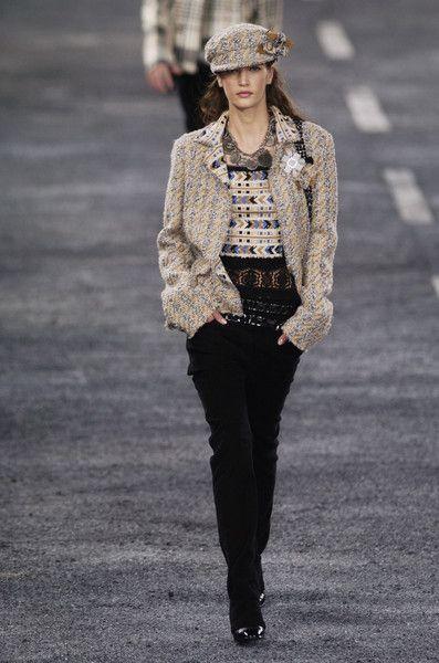 Chanel - Ready-To-Wear - Fall / Winter 2004