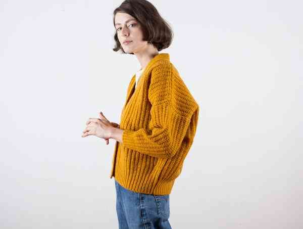 The 25  best Yellow sweater ideas on Pinterest | Yellow jumper ...