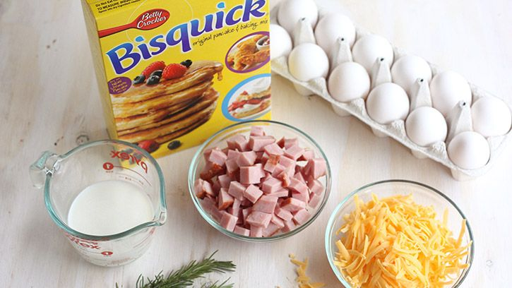 Egg Cups Ingredients - eggs, cheese, ham and Bisquick