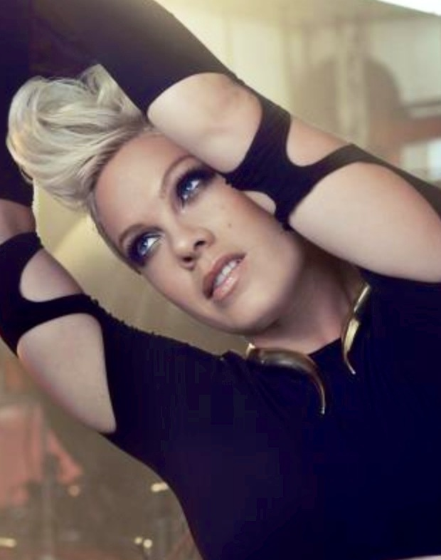 Such a beauty!  P!nk has the best blue eyes ever.