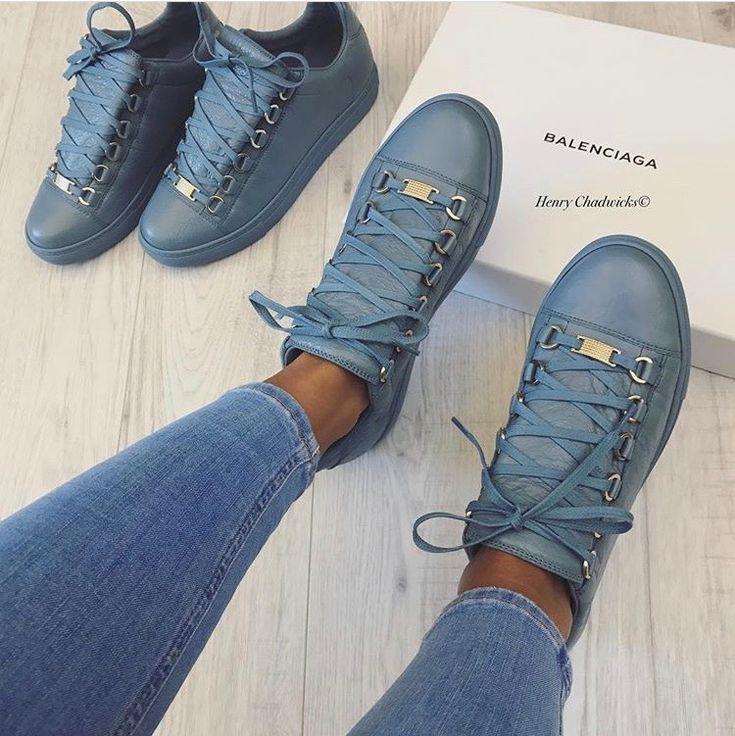 Henry Chadwicks Shoes Mens
