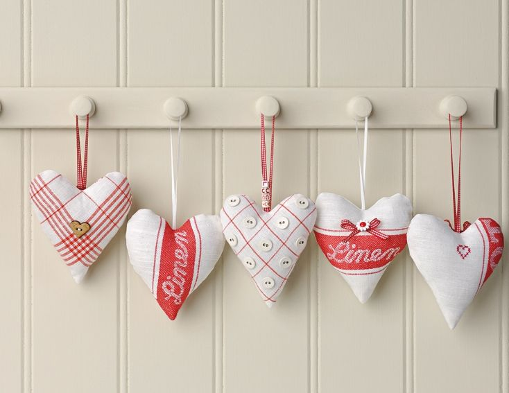 These adorable heart hangers are quite easy to make and a set will be a fabulous gift. You will need: Tea towels – linen & cotton Narrow ribbons – try satin & gingham Buttons & beads Red stranded cotton Toy stuffing…