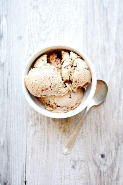 Toasted Marshmallow Ice Cream w/ Fudge & Graham Swirls
