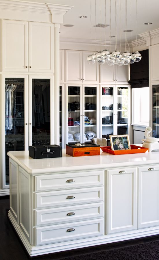 organize your closetDream Closets, Lights Fixtures, Dresses Room, Glasses Doors, White Room, Amazing Closets, Walks In, Closets Spaces, Dreams Closets