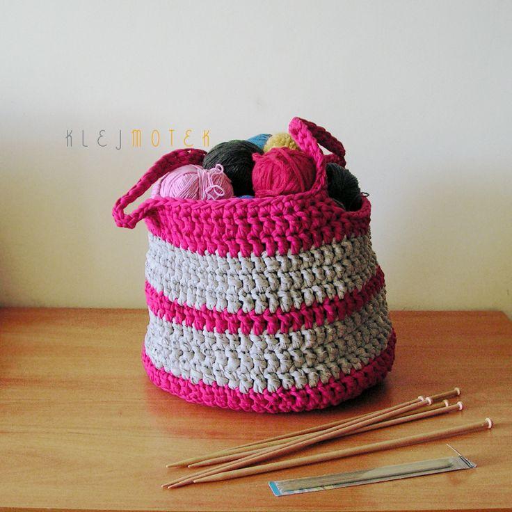 crochet bag - yarn storage idea http://klejmotek.blogspot.com/2014/08/torba-na-woczki.html