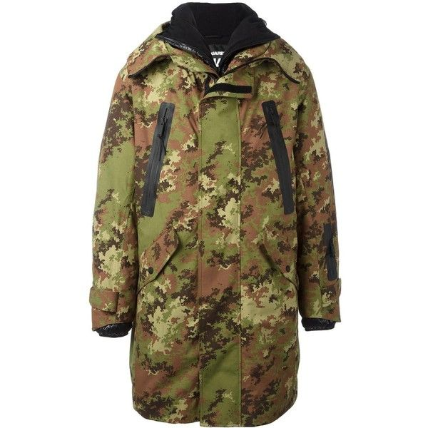 Dsquared2 Ski camouflage parka ($1,648) ❤ liked on Polyvore featuring men's fashion, men's clothing, men's outerwear, men's coats, green, mens ski coats, mens hooded long coat, mens long coat, mens camo coat and mens parka coats