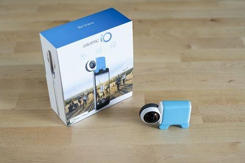 La caméra 360 degrés Giroptic iO  est une caméra 360 degrés compatible avec smartphones et tablettes (iOS et Android). Capturez vos photos et vidéos 360 degrés facilement.  Simplement magique  2 optiques grand angle haut de gamme, une technologie de fusion des images en temps réel unique au monde et un design qui tient dans votre poche. L'iO se connecte simplement à votre téléphone ou tablette  Neuf dans la boite