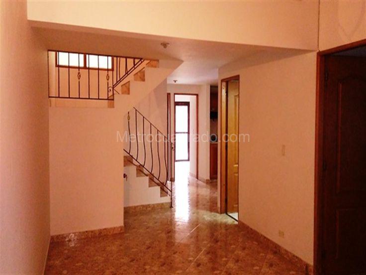 Apartamento en Arriendo en Rionegro, Rionegro, 4 habitaciones, 2 baños, 2 garajes