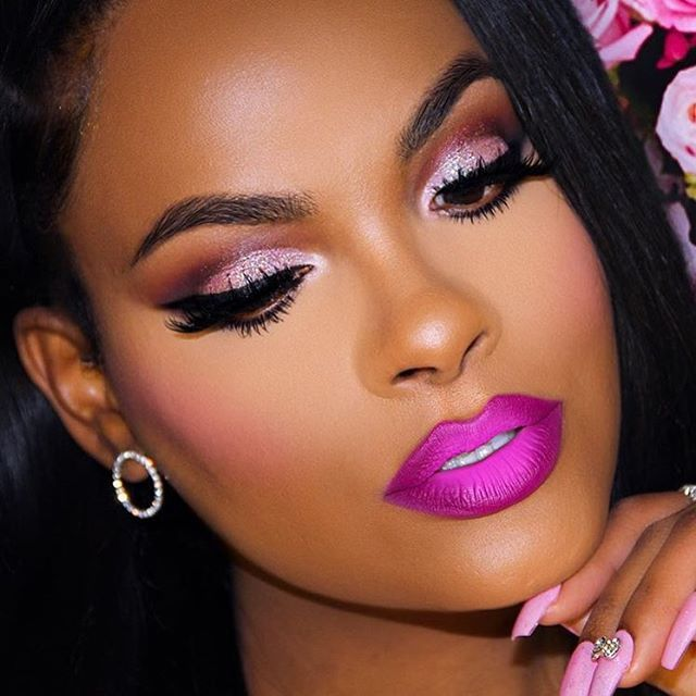 Black And Pink Kiss Makeup