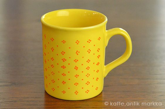 marimekko [ MUIJA - made in England ] old mug - カフェ、アンティーク マルカ - 神戸・北野の北欧カフェ&ヴィンテージ、kaffe antik markka